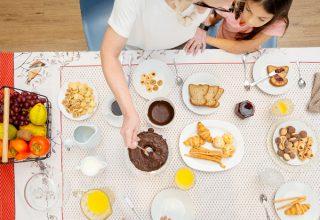 Coloque a mão na massa durante a quarentena e prepare lanches rápidos, saborosos e nutritivos