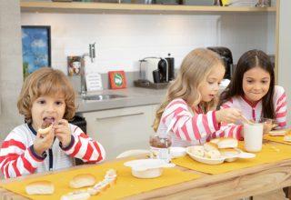 Família reunida em casa: como manter a organização e o entretenimento com os filhos