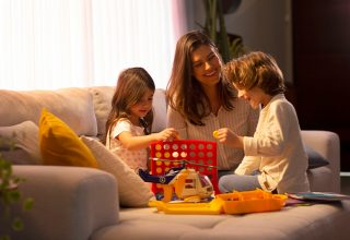 DIY: use a criatividade e crie diversos brinquedos com itens que você tem em casa
