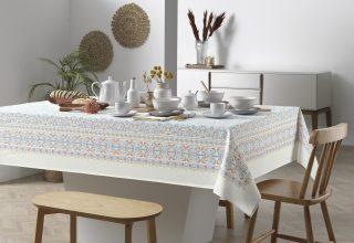 Montando a mesa de Páscoa