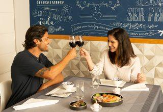 Tradições do Dia dos Namorados pelo mundo: peculiaridades culturais da data que celebra o amor